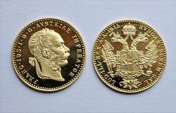 Goldmünzen - Dukat-Österreicher, ungarisch stockfotografie
