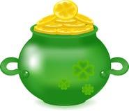 Goldmünzen in einem Topf, Reichtum in Form von Münzen, ein Symbol von eines St Patrick Tag, Geld in den tiefen Waren, Stockfoto