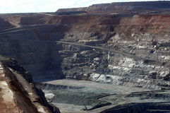 Goldmine of Kalgoorlie. The Super Pit (in), 3.8 km length, 2 km broad and 400 m of depth, are the largest goldmine with open sky of Australia. It is very close Stock Photo