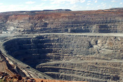 Goldmine of Kalgoorlie. The Super Pit (in), 3.8 km length, 2 km broad and 400 m of depth, are the largest goldmine with open sky of Australia. It is very close Stock Photography