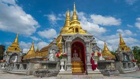 Goldpagode in Thailand Stockbild