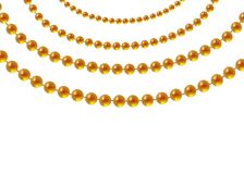 Goldperlen auf einem weißen Hintergrund Eine schöne Kette der gelben Farbe Nettoperlen sind realistisch Dekoratives Element vom g lizenzfreie abbildung