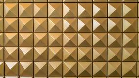 Goldpyramide stockbilder