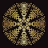 Goldspitzemuster auf einem schwarzen Hintergrund Lizenzfreies Stockbild