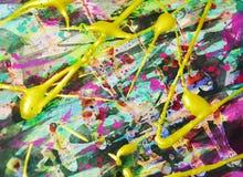 Goldstreicht grüner dunkler rosa purpurroter Abstraktionshintergrund der flüssigen Bürste Farbe Aquarellfarben-Zusammenfassungshi Lizenzfreie Stockfotos