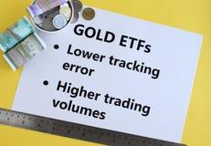 Goldwährung handelte Kapitalien oder indisches Investitions-Konzept ETFs stockfotografie