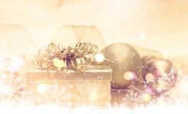 Goldweihnachtsgeschenk Stockfotografie