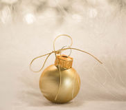 Goldweihnachtsverzierung Stockfoto