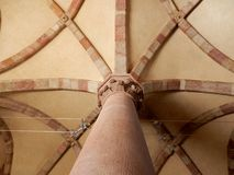 Goleto - Arcades στην ανώτερη εκκλησία Στοκ Εικόνες