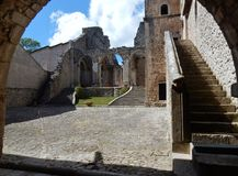 Goleto - Courtyard of the abbey Royalty Free Stock Photos