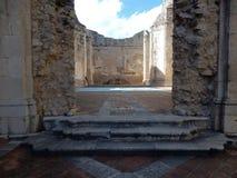 Goleto - Ruinen der Kirche von San Salvatore Stockbild