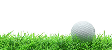 Golf auf grünem Gras auf Weiß Stockbild