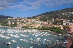 Golf av den poetGolfo deien Poeti - landskap av La Spezia - Lerici - Italien Arkivfoton