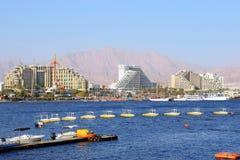 Golf av Eilat, lyxiga hotell i den populära semesterorten - Eilat Royaltyfri Fotografi