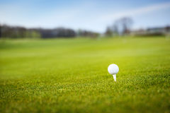 Golf ball in grass Royalty Free Stock Images