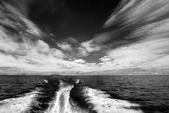 Golf bij kust bij Meer Baikal, Rusland Stock Afbeelding