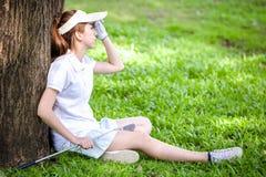 Golf del gioco della ragazza di sport fotografie stock libere da diritti