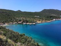 Golf dichtbij de Turkse stad van Kas met jachten Stock Afbeelding