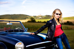 Golf en een klassieke auto Royalty-vrije Stock Foto