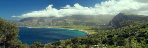 Golf för `-Macari `, på den sicilian kusten nära den San Vito locapoen Royaltyfria Bilder