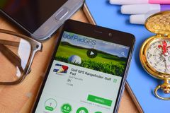GOlf GPS Rangefinder: Golf Pad dev application on Smartphone screen.