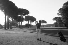 golf isolerade spelare sköt studion Royaltyfri Foto