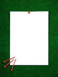 Golf la nota con las clavijas imágenes de archivo libres de regalías