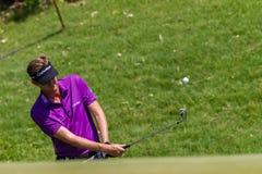 Golf Professional David Lynn Chipping Royalty Free Stock Photography