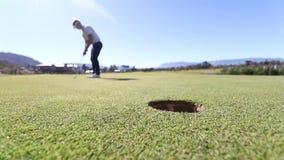 Golf putten arkivfilmer