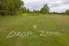Golf som är grön med en DROPPZON arkivbilder