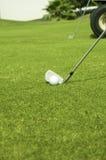 Golf spielen. stockfotos