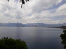 Golf von Antalya und szenische Ansicht von Antalya-Küstenlinie Stockfotografie