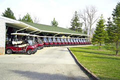 Golf-Wagen-Anordnung Stockfotografie