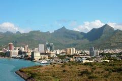 Golf, yacht-klubba, stad och berg louis mauritius port Arkivfoton