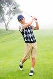 golfare av teeing Fotografering för Bildbyråer
