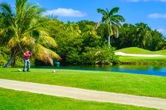 golfare av teeing Arkivbild