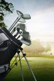 Golfausrüstung auf dem Kurs Stockfoto