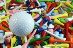 Golfbal en T-stukken Royalty-vrije Stock Fotografie