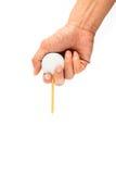 Golfbal met T-stuk op cursus Stock Afbeeldingen