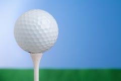 Golfbal op T-stuk 2 Royalty-vrije Stock Foto's