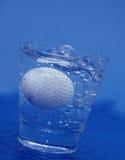 Golfbal in water Stock Foto