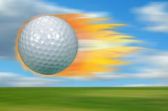 Golfball auf Feuer Stockbild