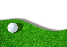 Golfball auf Sandfang mit Kopien-Raum Lizenzfreies Stockfoto