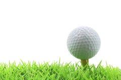 Golfball auf Stift Lizenzfreies Stockfoto