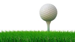Golfball auf T-Stück und grünes Gras als Boden Lizenzfreie Stockfotos