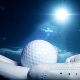 Golfball op handschoen Stock Foto