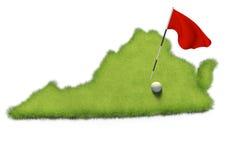 Golfball- und Flaggenpfosten auf Kursübungsgrün formte wie das Staat Virginia lizenzfreie abbildung