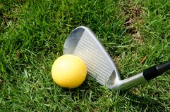 Golfball, Vereine oder Eisen Lizenzfreies Stockfoto