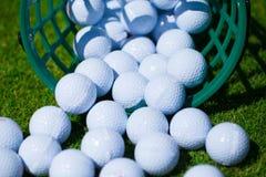Golfballkorb lizenzfreie stockfotografie
