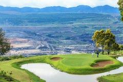 Golfbana i öppen grop Fotografering för Bildbyråer